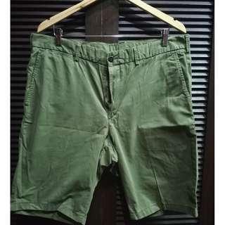 Uniqlo Chino Shorts Olive Green Size XL