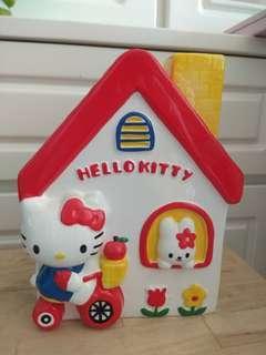 Sanrio Hello Kitty 陶瓷屋型儲蓄箱 錢箱