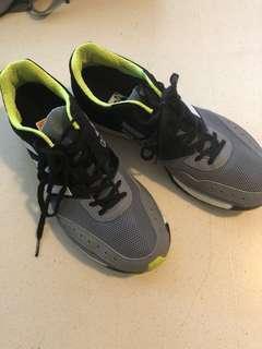 🚚 Adidas adizero takumi ren