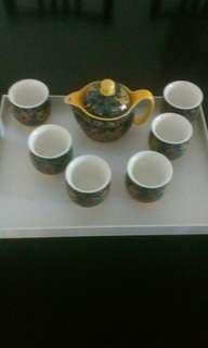 Brand New Chinese Tea Set( 1 pot with drainer & 6 tea cups)