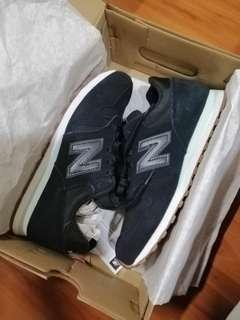 New balance 373 black REPRICED