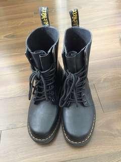 Dr Martens 38 水鞋