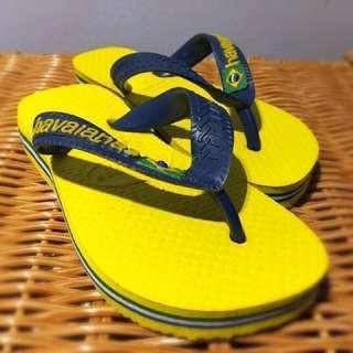 🚚 Havaianas Slippers (almost new)