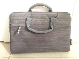 "11"" Capdase Laptop Bag"