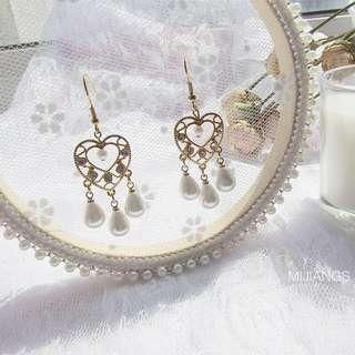 🚚 #1212 Heart Shaped Dreamcatcher Earrings