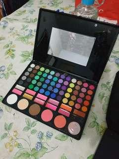 MAC eyeshadow m palette