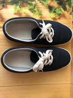 Sneakers Muji Good Condition