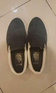 Good condition shoes only Vans Leather Slip on (blue & white)