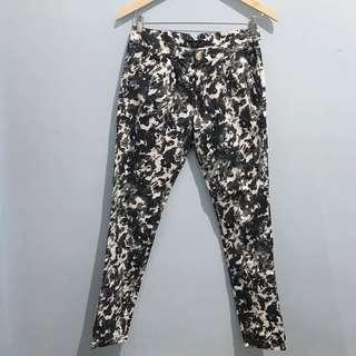 Black white printed pants