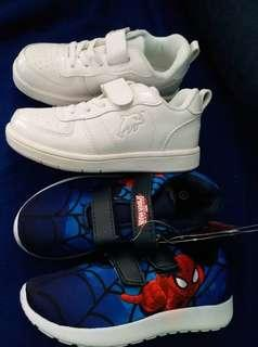 Spider and car shoes
