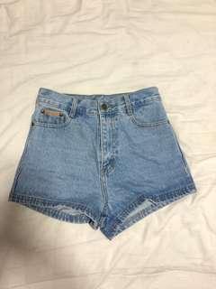 🚚 Light denim high waisted shorts