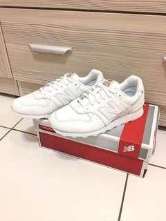🚚 new balance 顯瘦蛇紋小白鞋