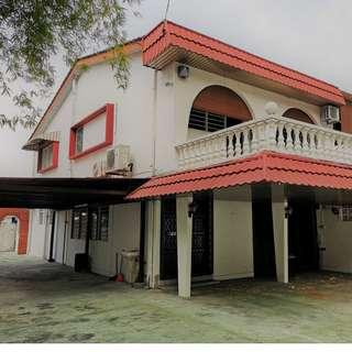 Homestay - Spacious 5 Bedrooms Double Storey Semi D
