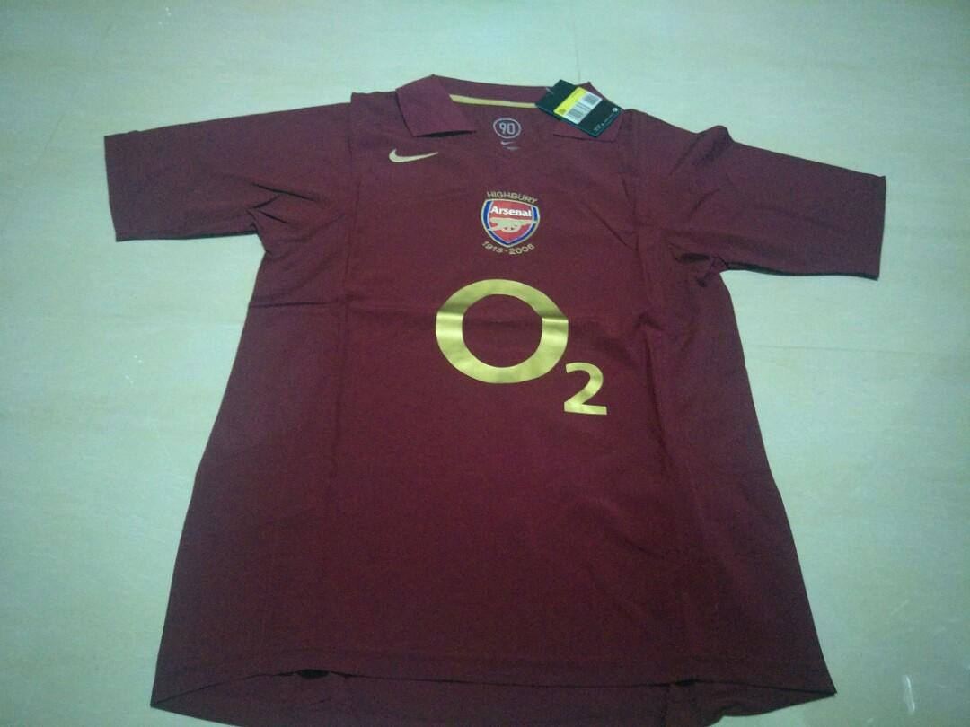 8678636ea Arsenal 2005-2006 Retro Jersey