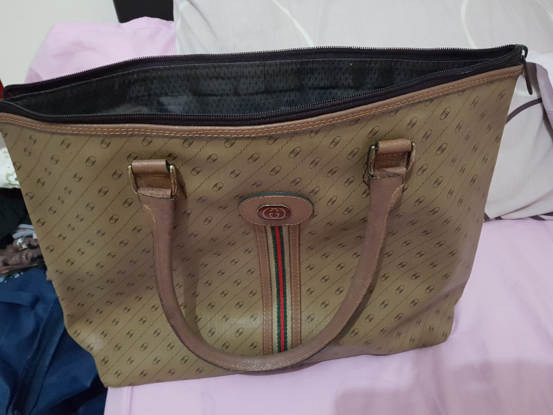 f65ef27c879 Authentic old gucci bag