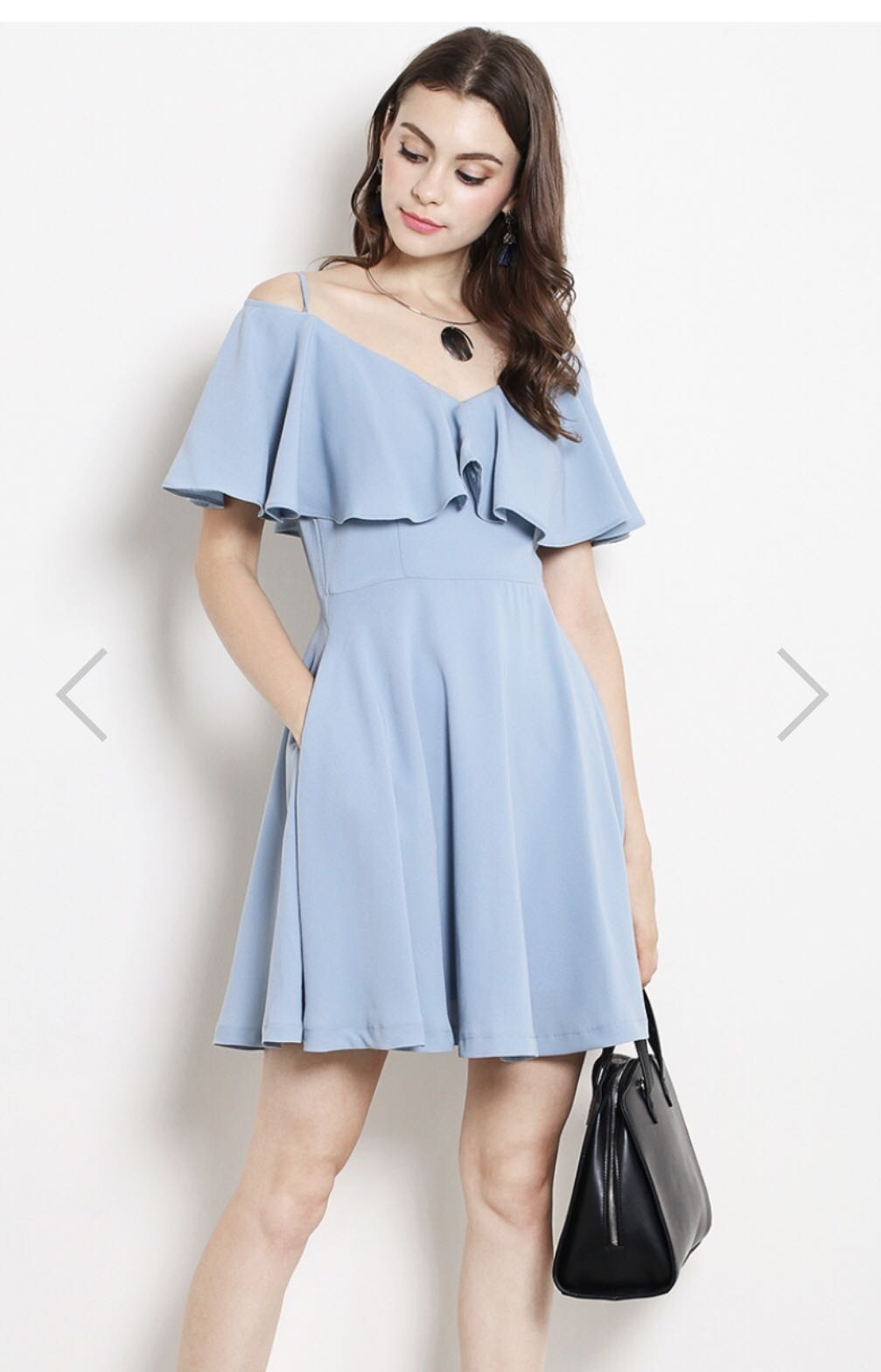 c99dfbeeb4 BNWT SSD Off shoulder dress with pockets