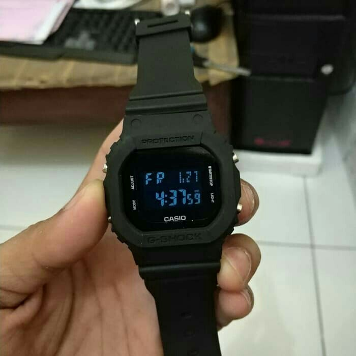 Jam tangan pria Casio G-Shock full black c5a6eb8fcd