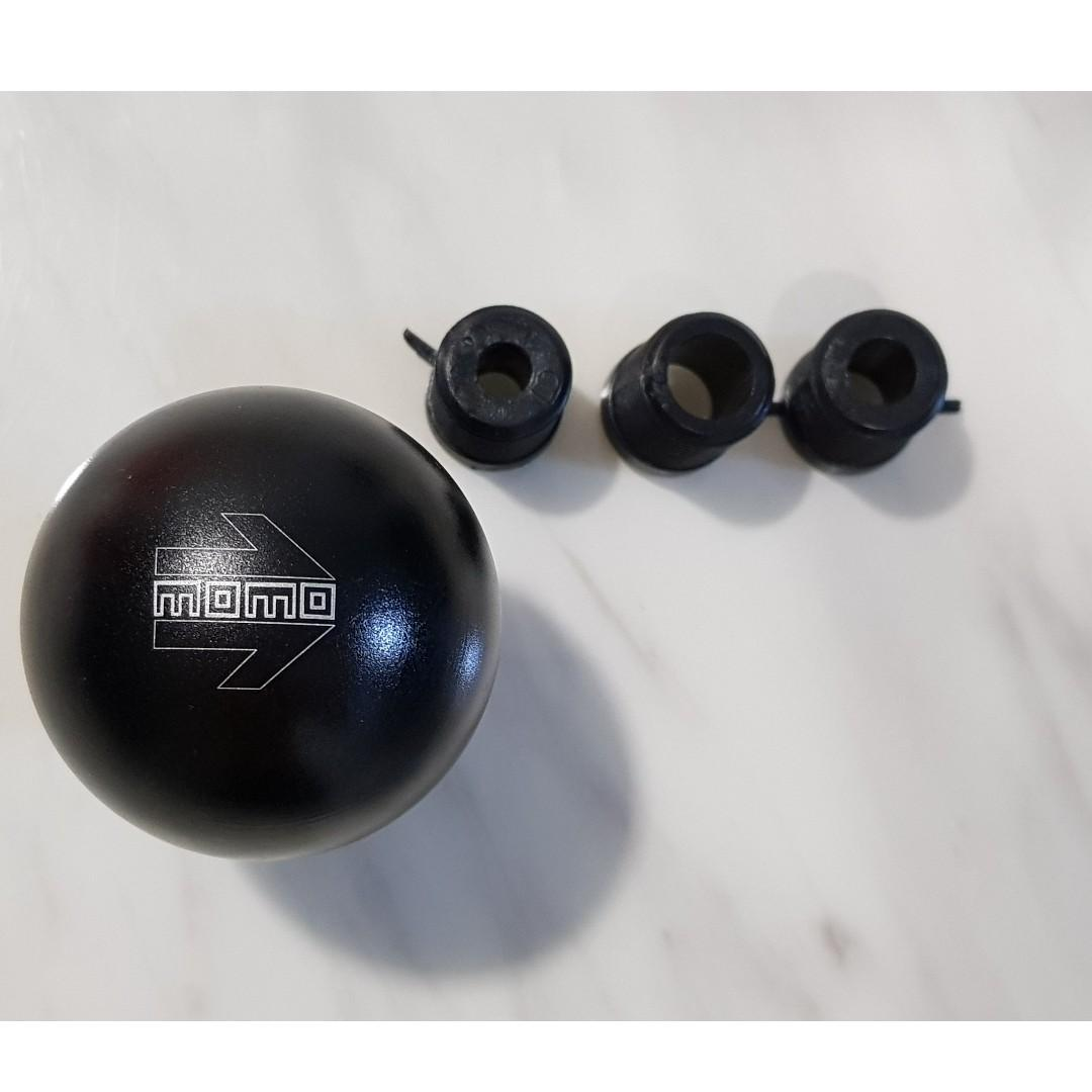 Momo arrow black series gear knob