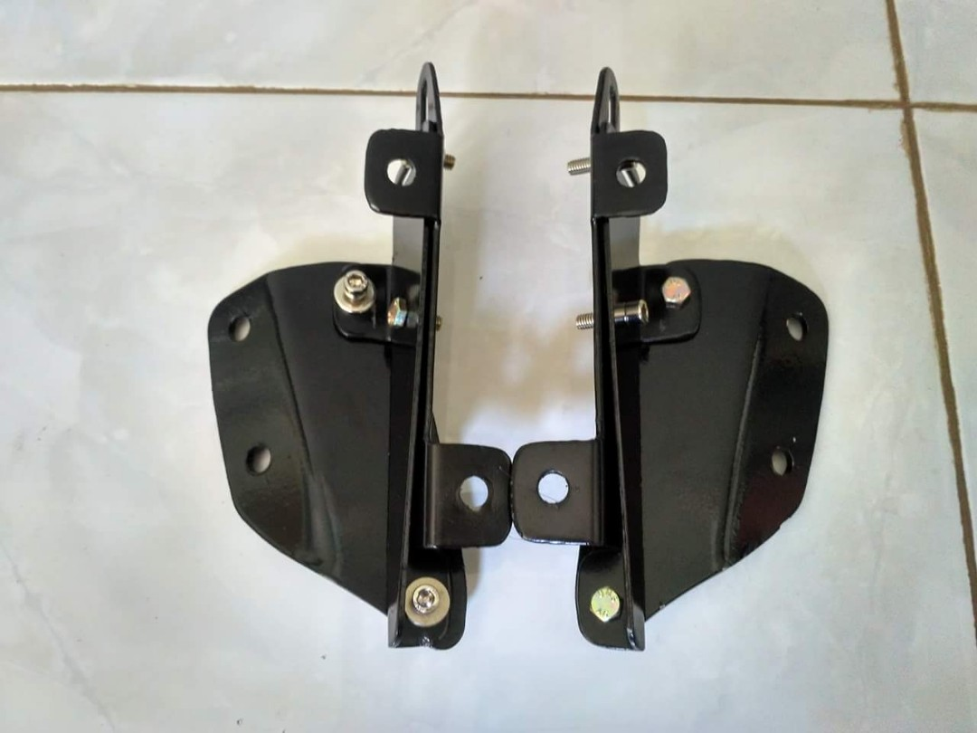 P O Nmax Windshield Bracket Serpo