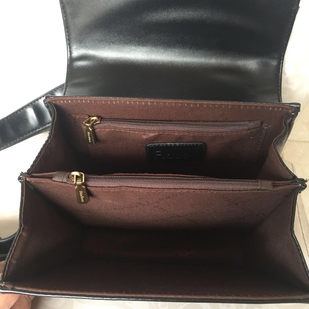PRELOVED FLADEO TAS SLING BAG KULIT HITAM