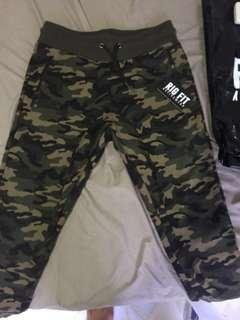 RIG FIT camo tapered trackpant authentic M size