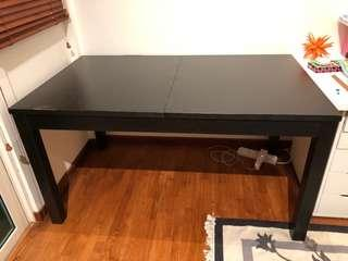 Free!!!! Black table extendable