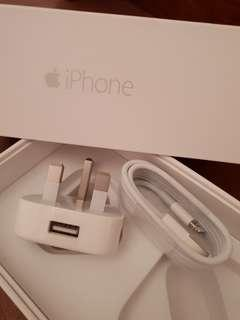 Apple 3-pin USB adaptor and Lightning Cable set