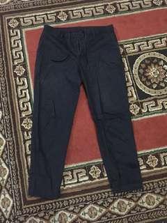 Celana chino uniqlo original tipe ankle rileks navy