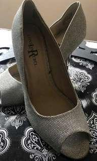 NEW - NEVER USED - LONDON REBEL SILVER HEEL PLATFORM HEELS WITH SILVER SHINE - SIZE 8 - SILVER