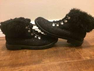 Black boots with jewels