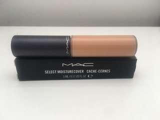Brand New MAC Select Moisture Cover NW25