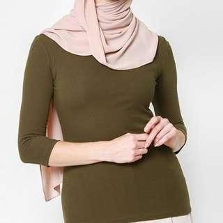 BNWT Long Sleeved T-shirt in Olive (FashionValet)