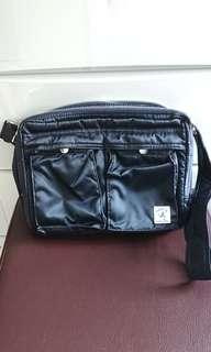 Porter International 斜揹袋