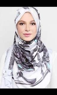 ‼️FREE POSTAGE‼️ Authentic Duckscarves LE Blooming Roses in Black