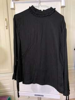 黑色打底上衣
