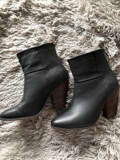Therapy brand boots