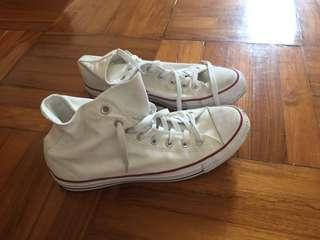 Converse - 95% new - size 9.5