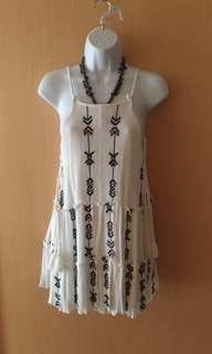 🚚 買就送價低為贈品 。小洋裝需穿內搭 free size