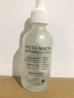 Phytoniacin whitening essence