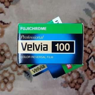 35mm Fuji Fujichrome Velvia 100 Fresh Slide Film ( iso 100 ) 135 format ! Feb 2020 Exp !