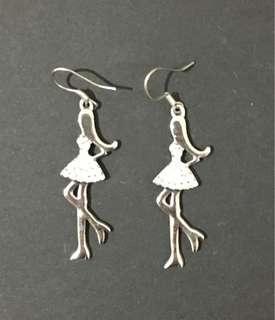 Dancer earring