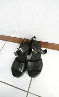 Preloved High Heels Platform Hitam