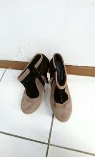 Preloved Boots Grey-Black