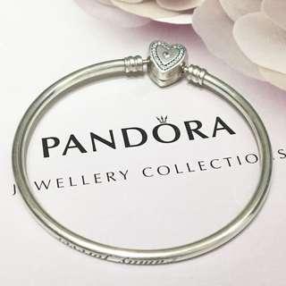 Pandora Limited Edition Family Forever 17cm Bangle