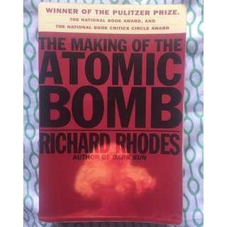 (Free Shipping w/in MM) The Making of the Atomic Bomb, Richard Rhodes, Award winning book Pulitzer Prize, National Book Award, National Book Circle award
