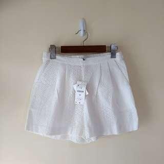 Zara姐妹線 Stradivarius 白色橡根短褲 white shorts