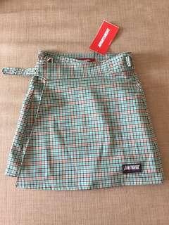 Apartment skirt