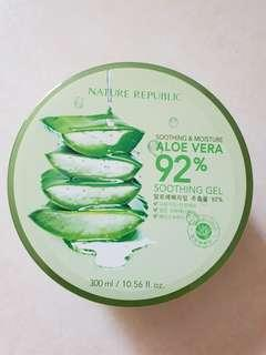 Soothing & Moisture Aloe Vera 92% Soothing Gel