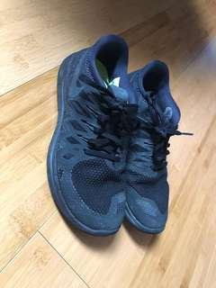 Nike running shoes 5.0