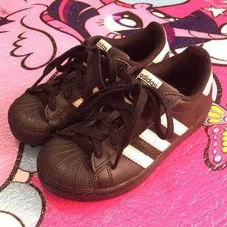 Adidas Kids Shoes Unisex (Mint Condition/Age 4-8)